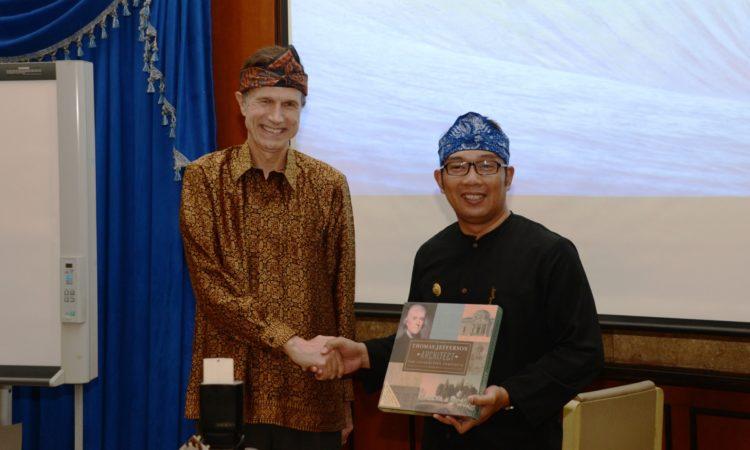 Dubes AS Dorong Kerjasama Ilmu Pengetahuan dan Teknologi di Bandung (State Dept.)