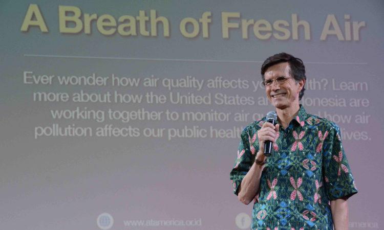 A Breath of Fresh Air: Diskusi tentang Polusi Udara dan Kesehatan di Jakarta (@America)
