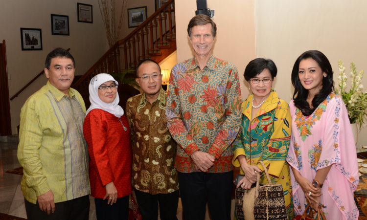 Ambassador Blake Hosts Women Leading Women Networking Iftaar