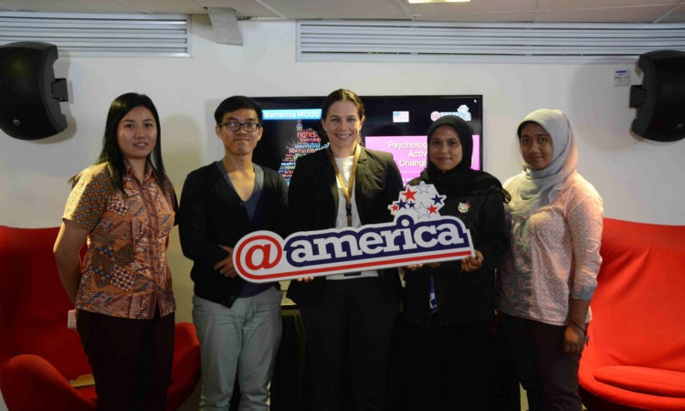 MOOC Connects Indonesian Students to US Higher Education, Political Activism‎, and Women's Empowerment (@America)