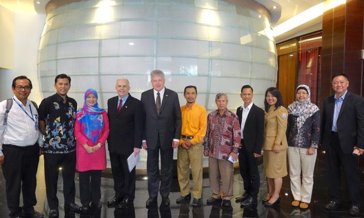 Ambassador Donovan's Travel to South Sumatra (State Dept. / Ichwan Hudaya)