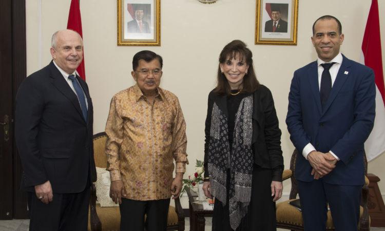 Millennium Challenge Corporation Kunjungi Indonesia untuk Diskusikan 'Compact' Baru untuk Tingkatkan Pertumbuhan Ekonomi (State Dept. / Budi Sudarmo)