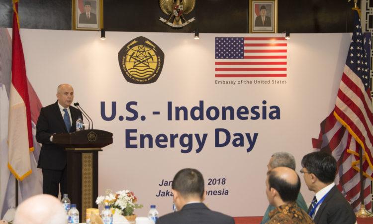 Sambutan Dubes AS Joseph R Donovan pada U.S.-Indonesia Energy Day (State Dept. / Budi Sudarmo)