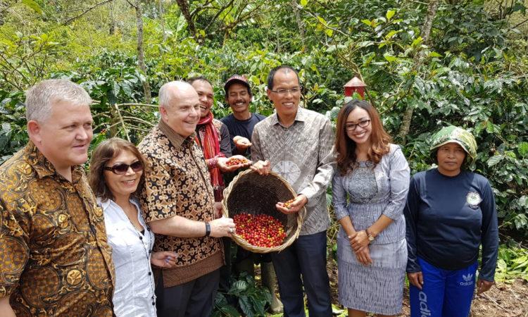 U.S. Ambassador Promotes Strength of U.S.-Indonesia Strategic Partnership in Toba Area (State Dept. / U.S. Consulate Medan)